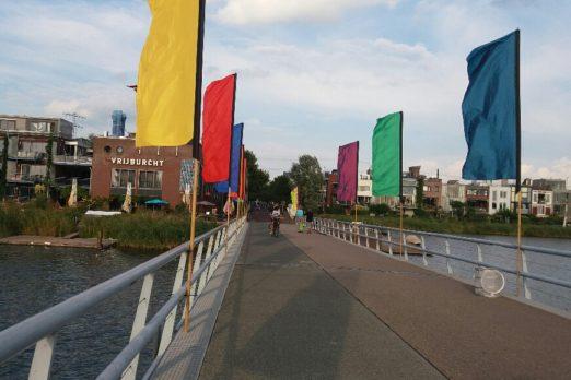 Vlaggenparade voor het nieuw Theaterseizoen